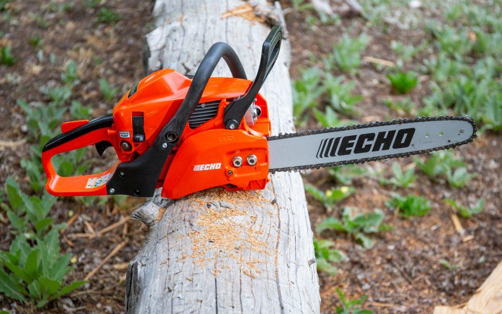 Lightweight chainsaws